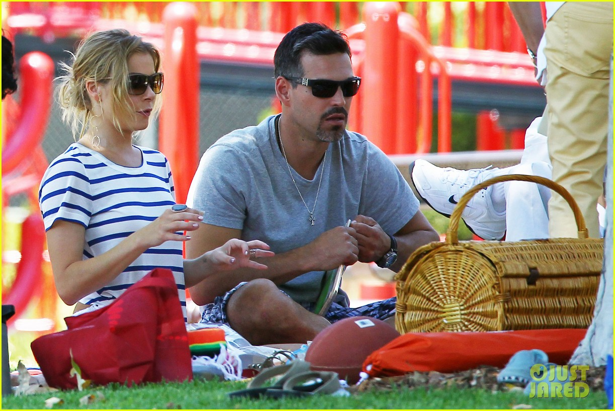 leann rimes park with the family 022676409