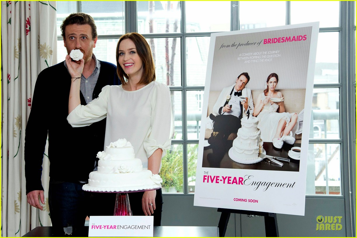 emily blunt jason segel five year engagement london 03