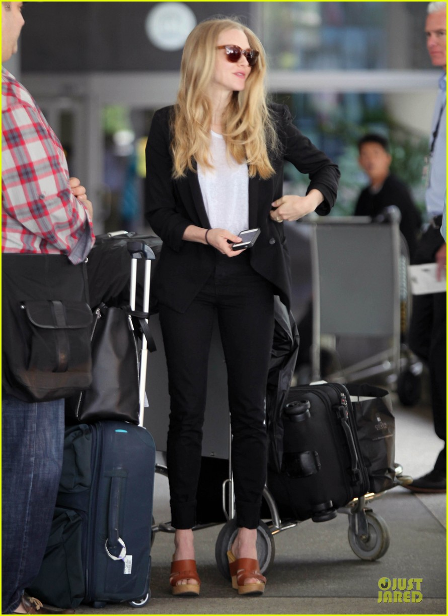 amanda seyfried lax lunch 01