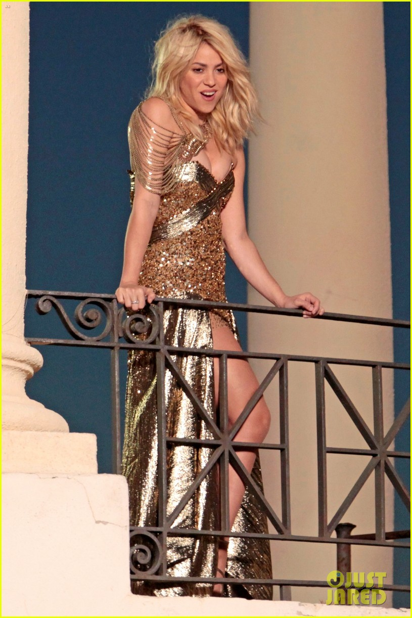 Shakira: Balcony Video Shoot: Photo 2679095 | Shakira Pictures ...