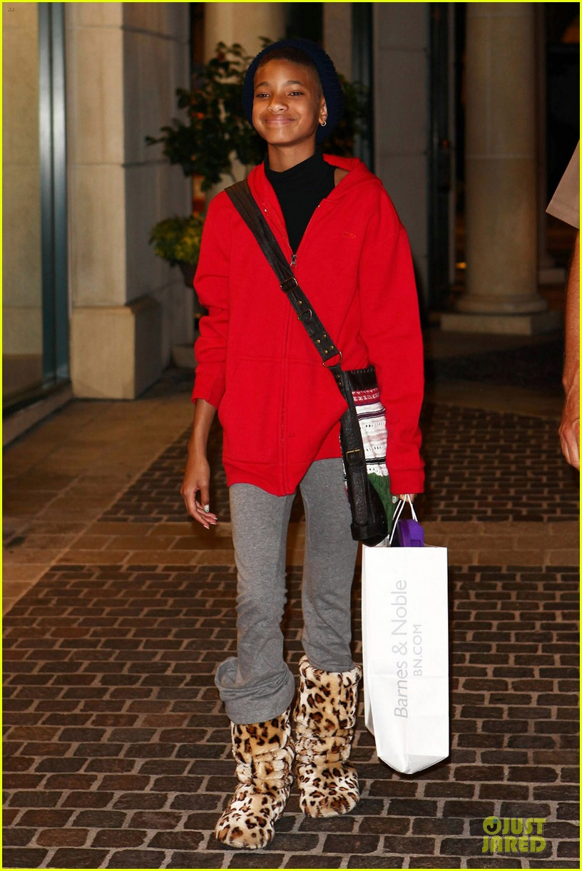 willow smith barnes noble 01