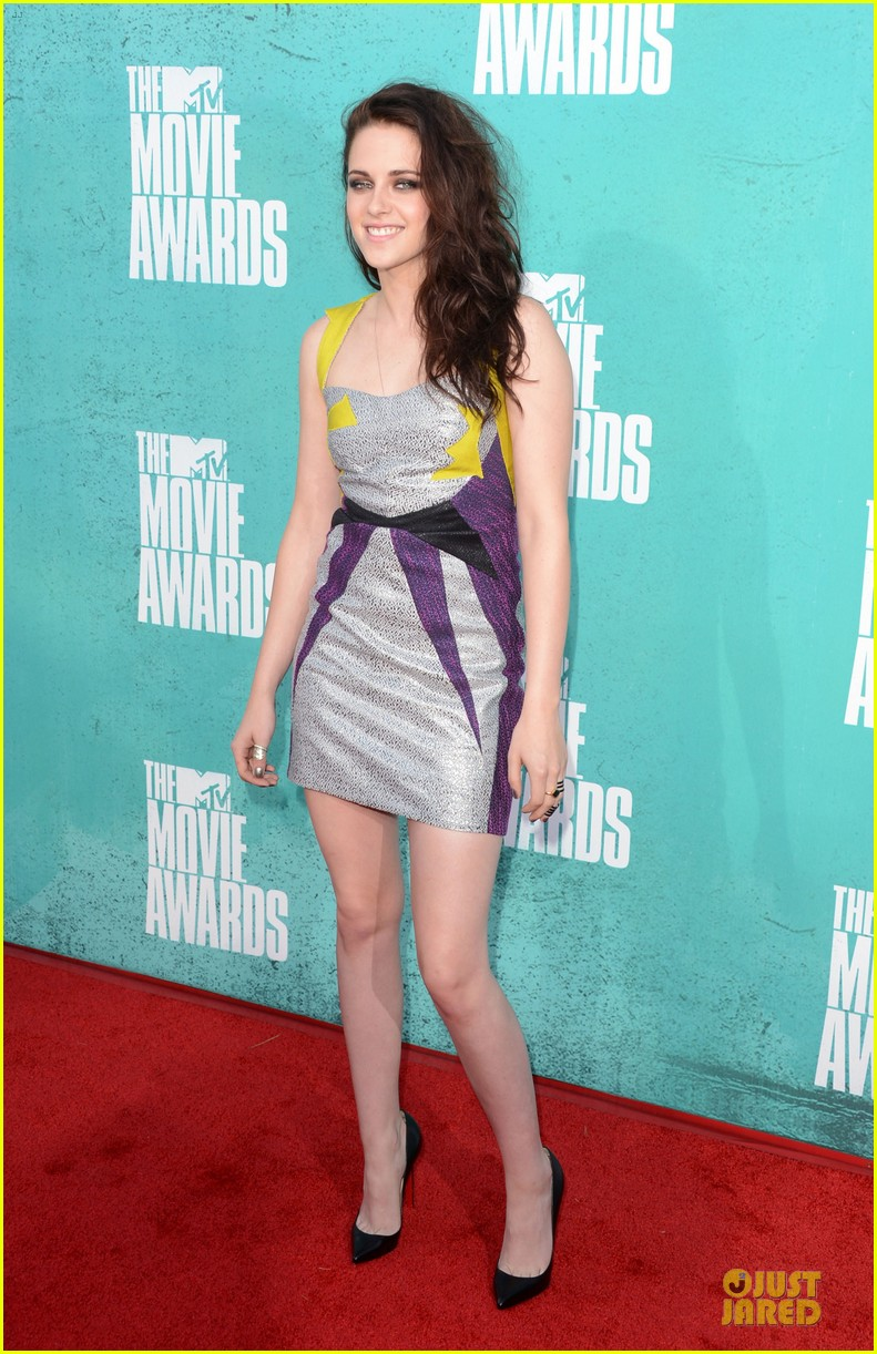 kristen stewart mtv movie awards 2012 01