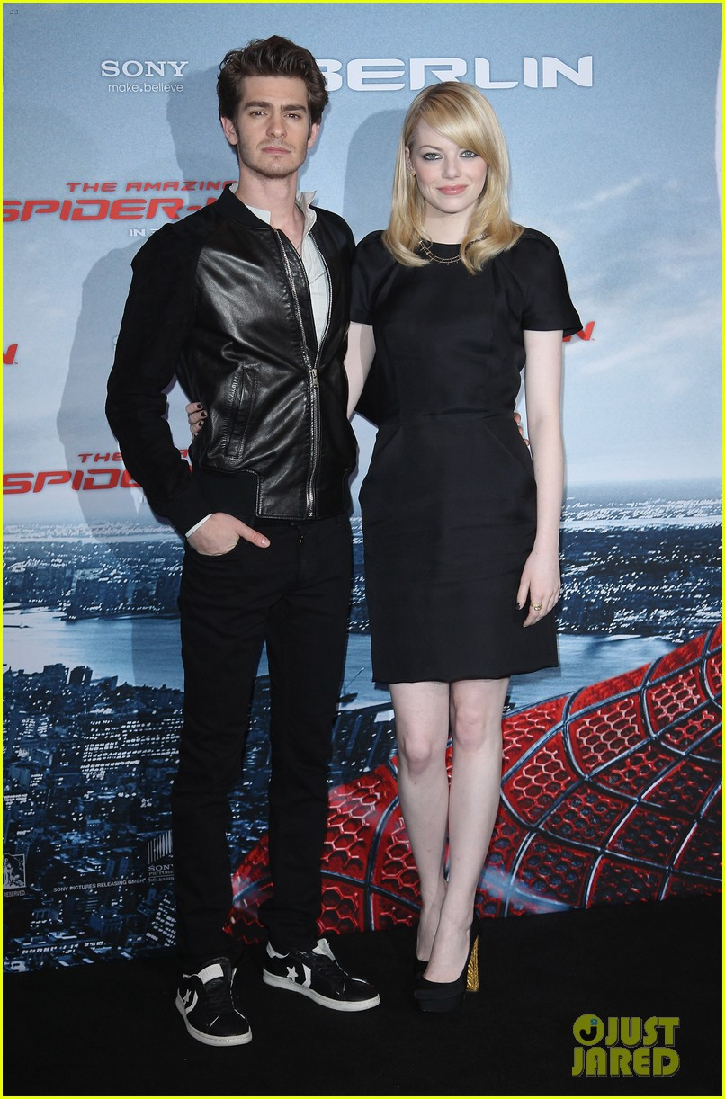 emma stone andrew garfield spider man germany photocall 02
