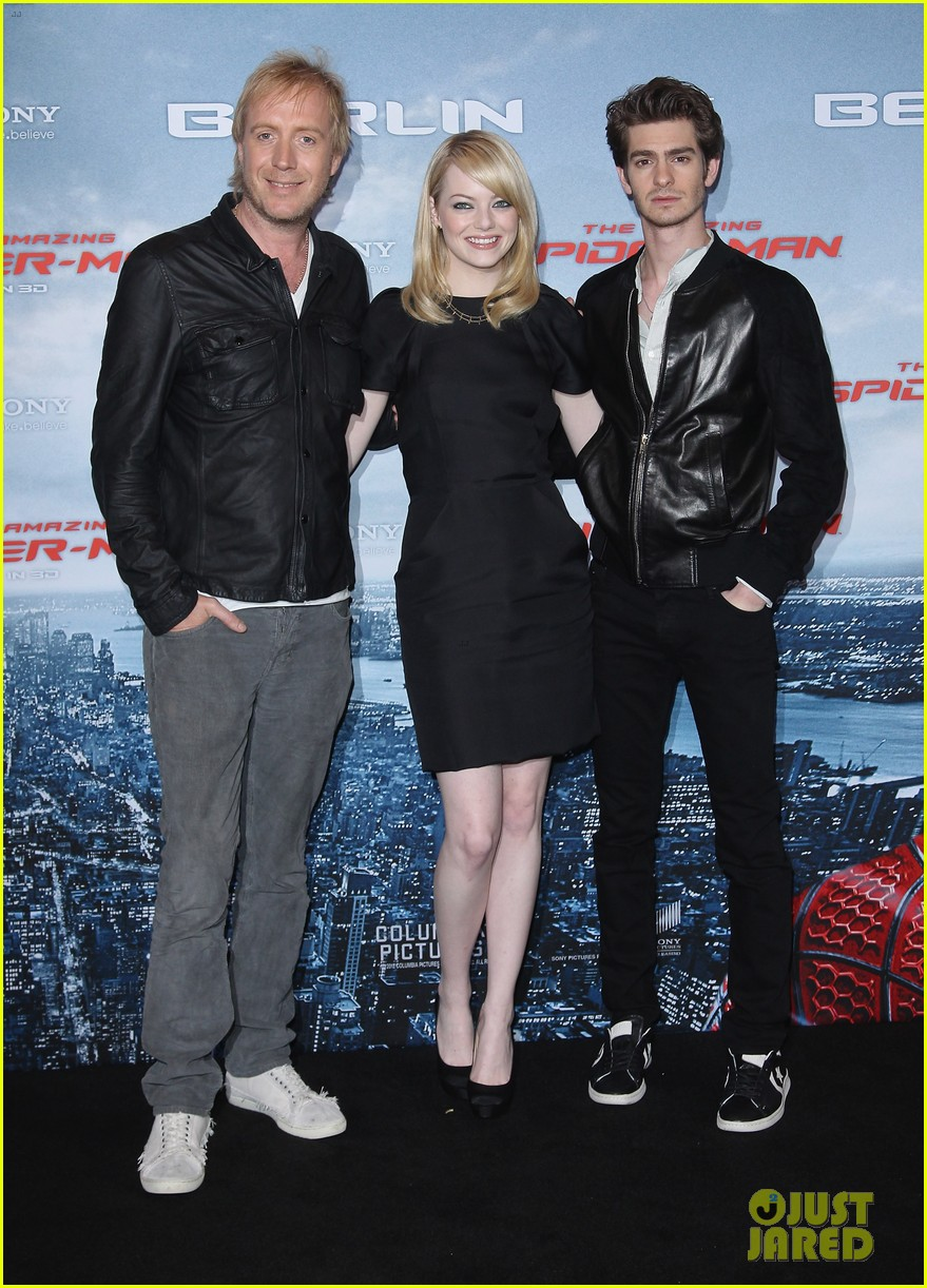 emma stone andrew garfield spider man germany photocall 04