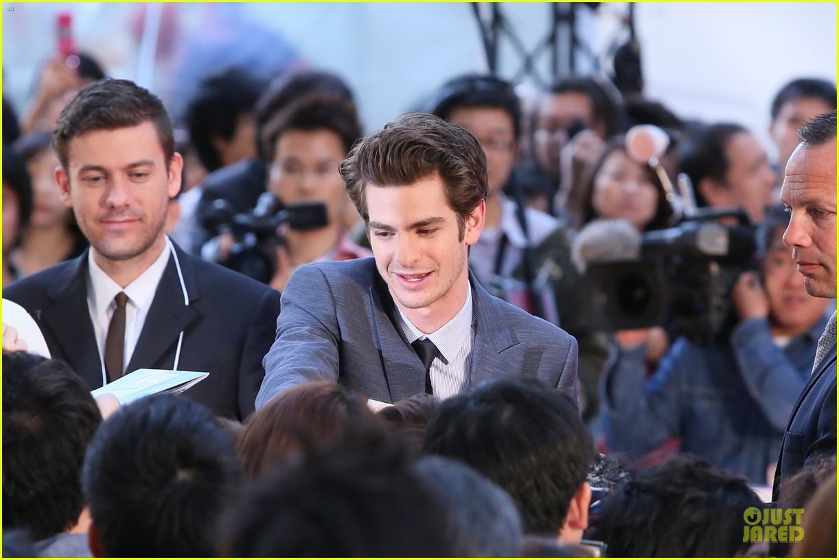 emma stone andrew garfield amazing spider man world premiere 10