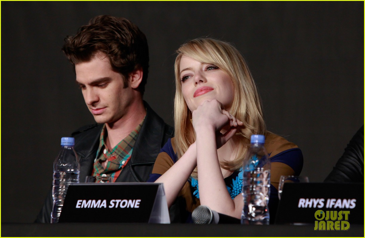 emma stone andrew garfield south korea press conference 032674920