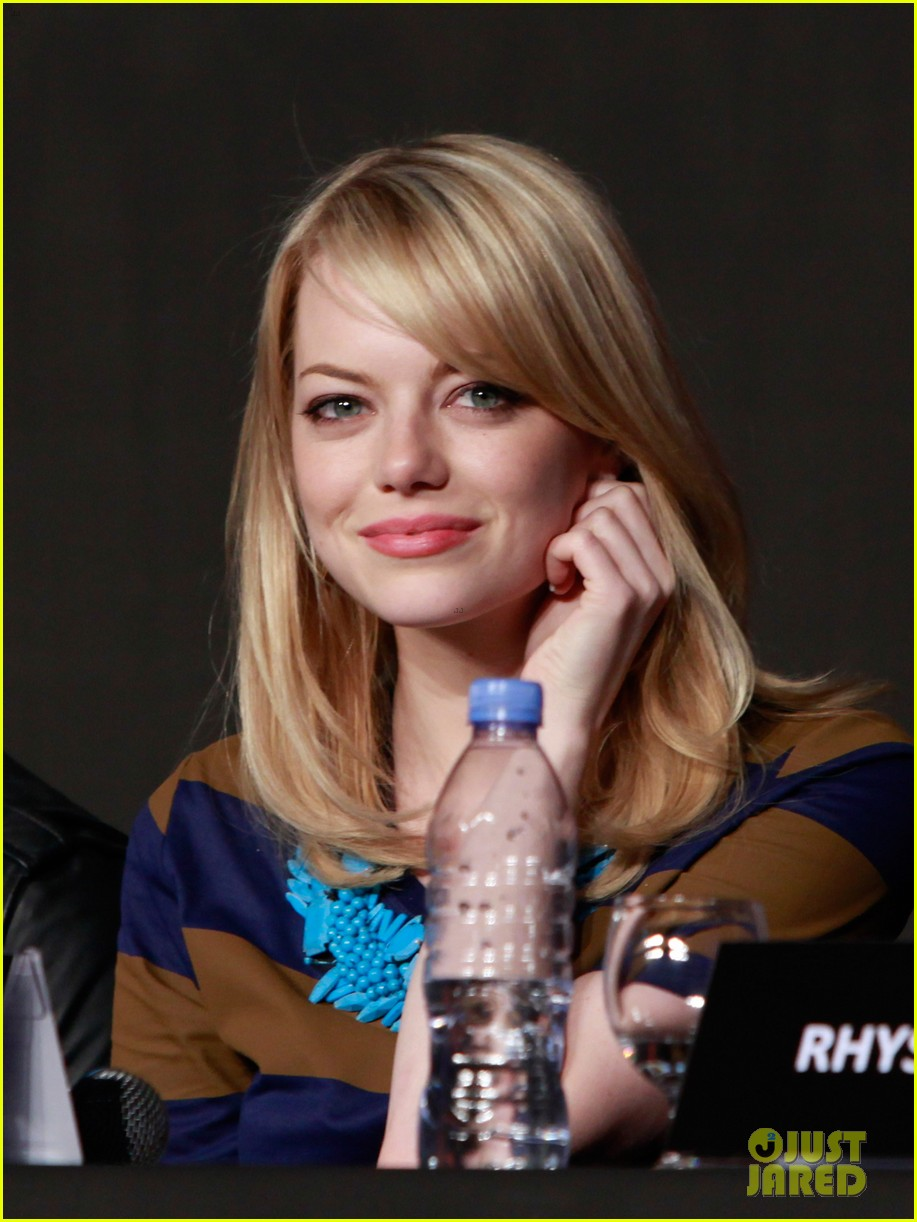 emma stone andrew garfield south korea press conference 132674930