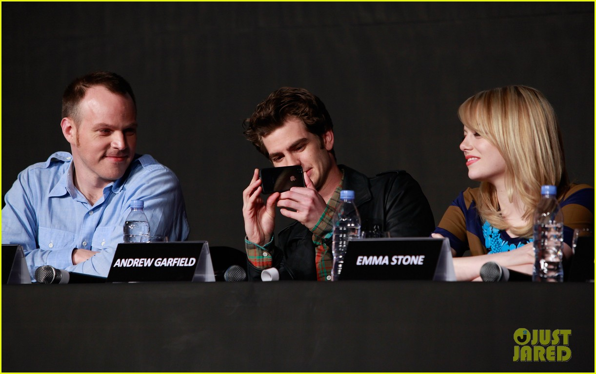 emma stone andrew garfield south korea press conference 162674933