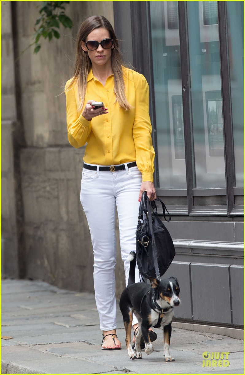 hilary swank mellow yellow paris 052677910