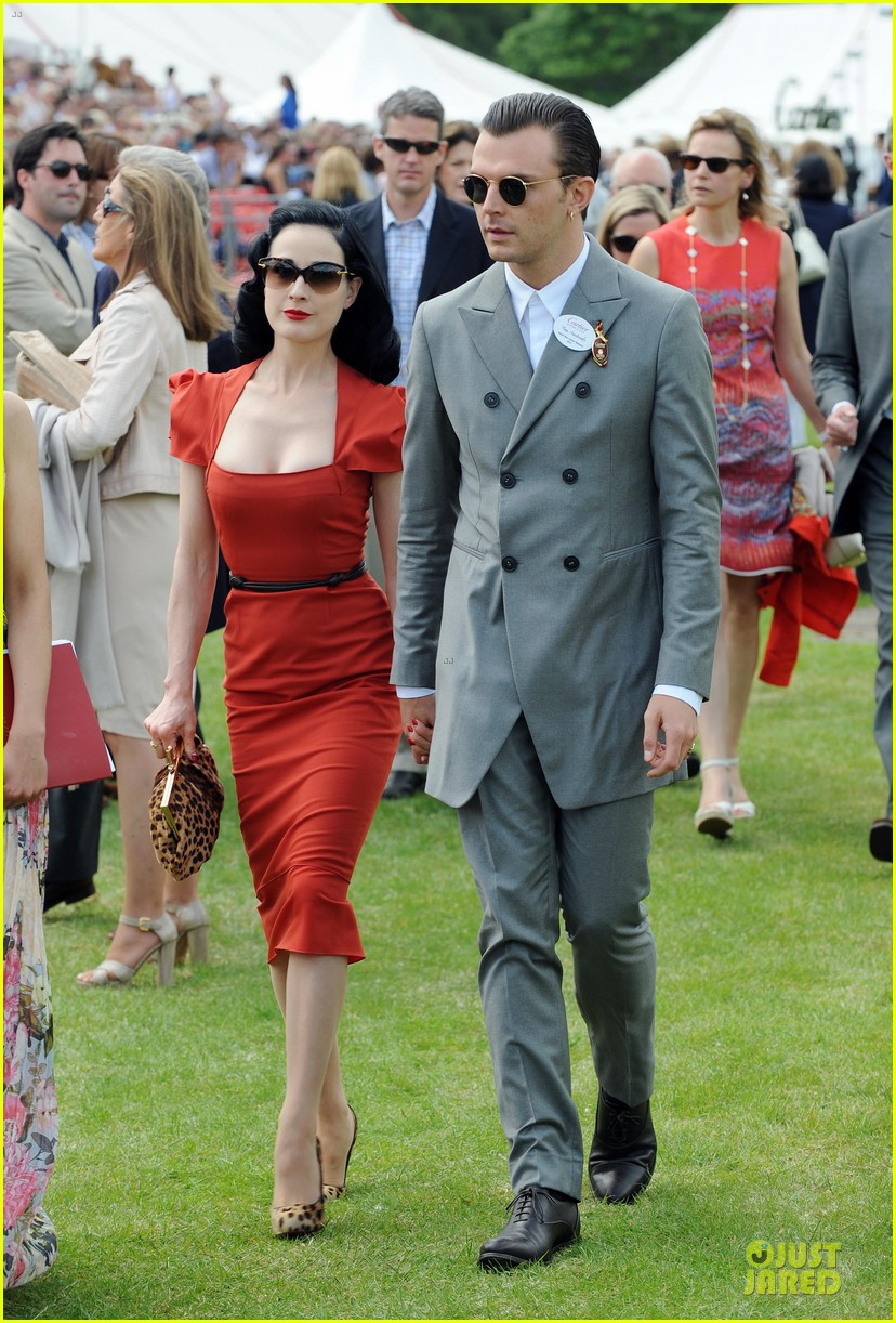 dita von teese douglas booth queens cup 012676713