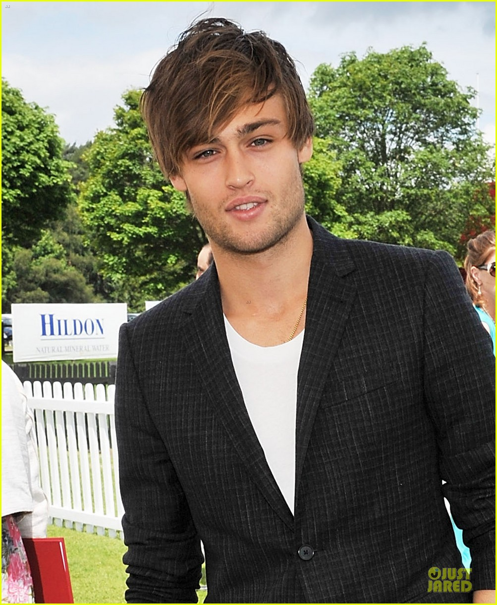 dita von teese douglas booth queens cup 162676728