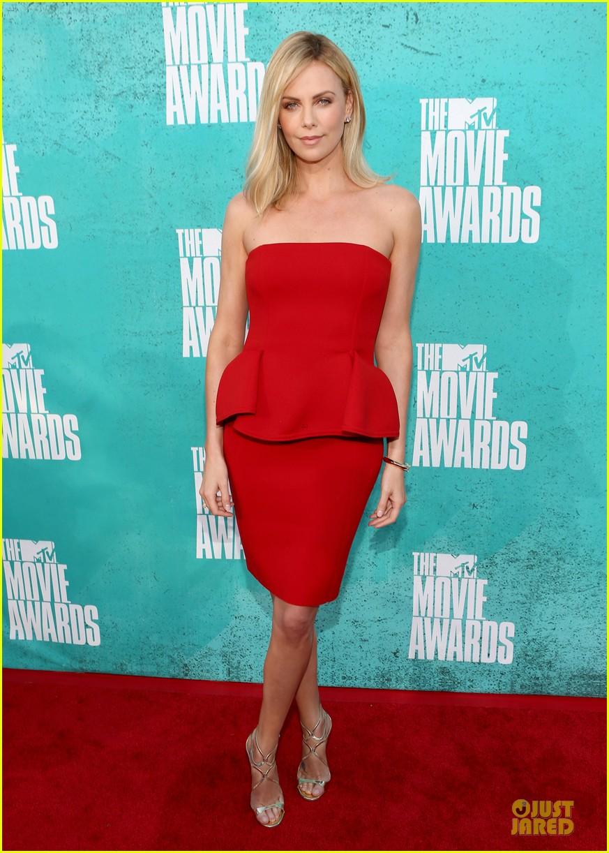 charlize theron mtv movie awards 2012 01
