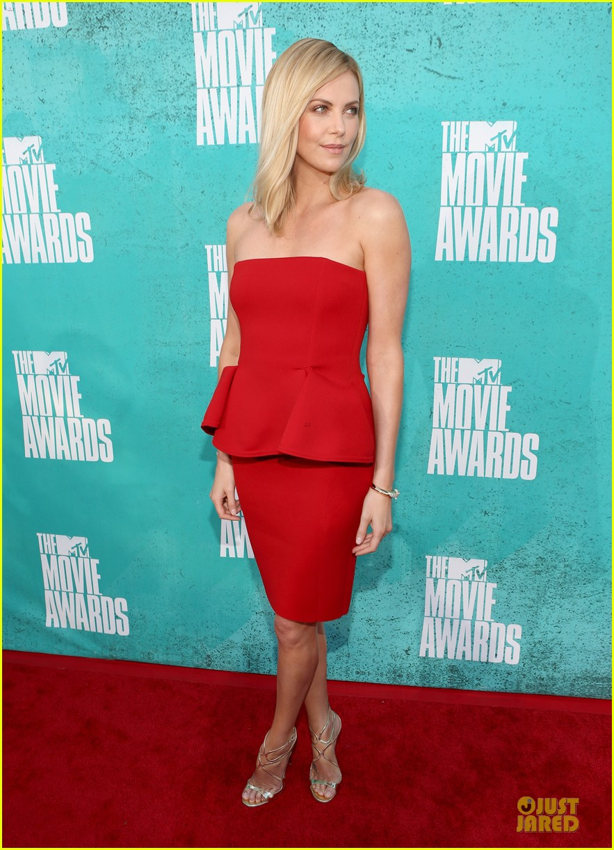charlize theron mtv movie awards 2012 03