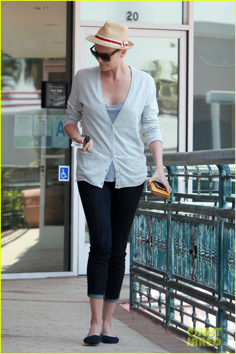 charlize theron sushi park lunch stop 062675262