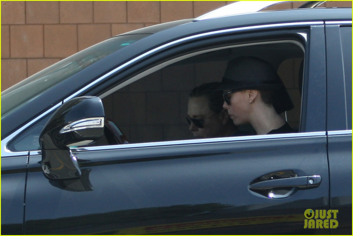 charlize theron sushi park lunch stop 10