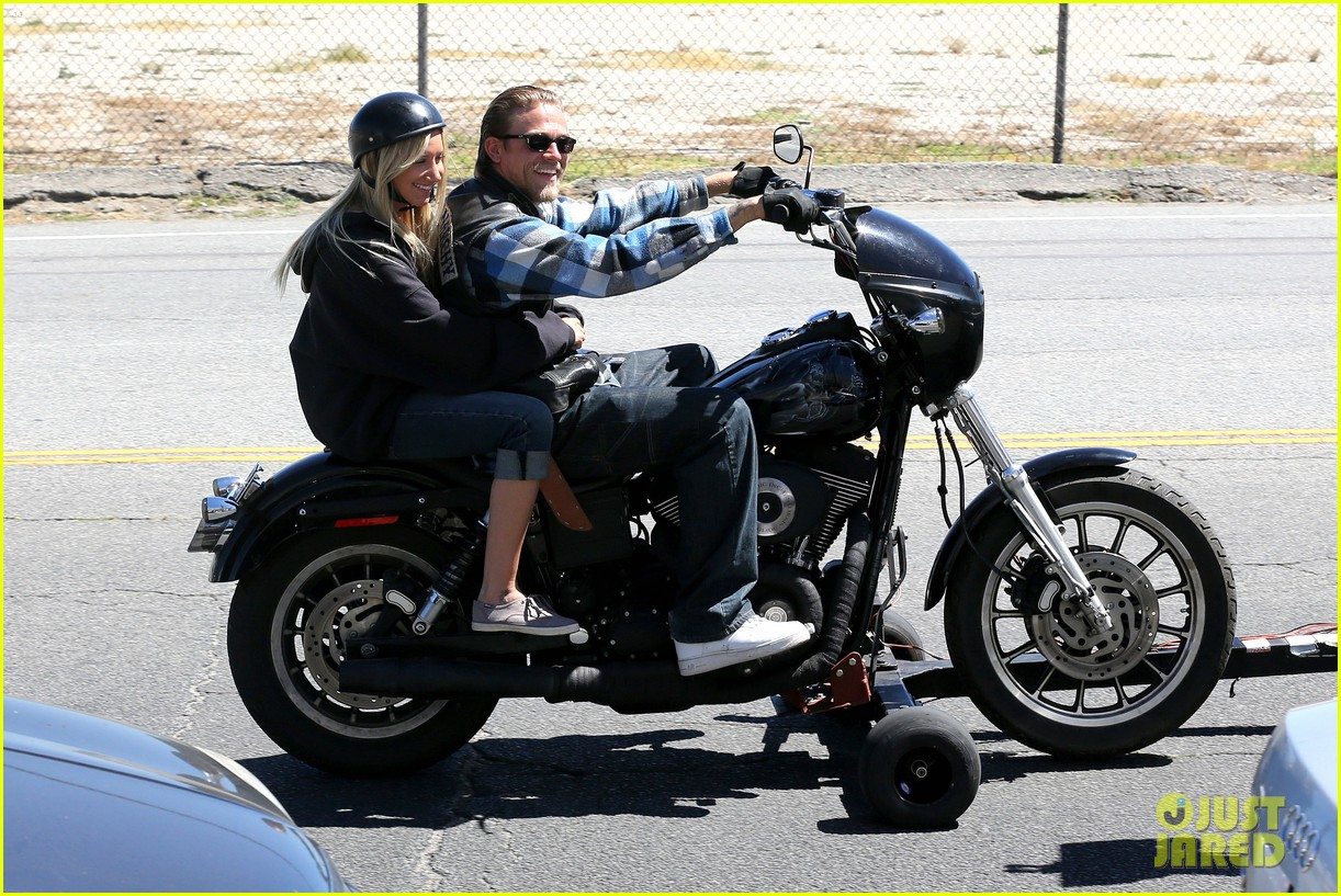ashley tisdale charlie hunnam sons of anarchy 092679589