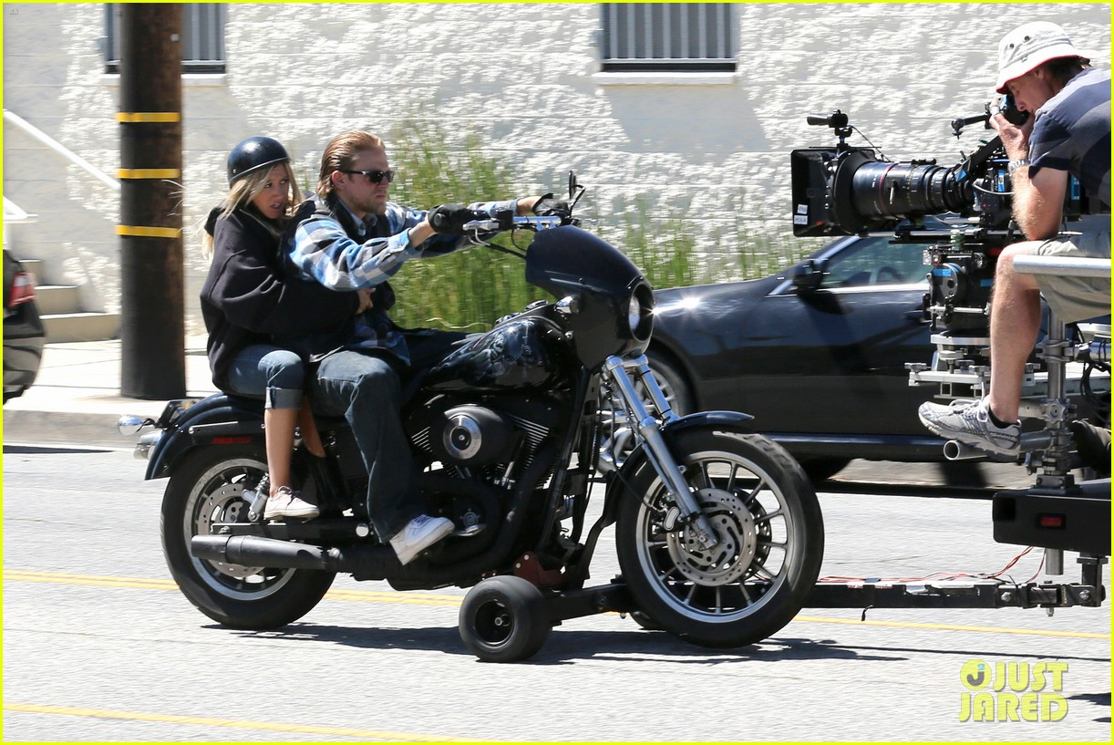 ashley tisdale charlie hunnam sons of anarchy 122679592