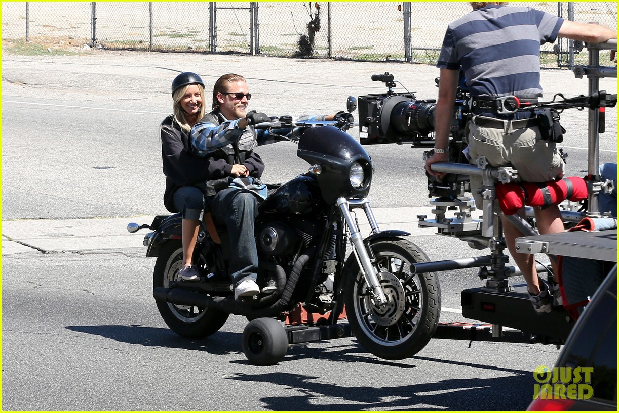 ashley tisdale charlie hunnam sons of anarchy 132679593