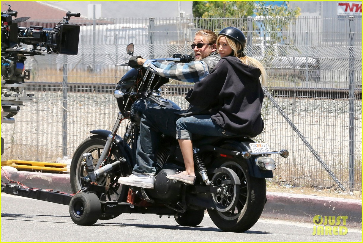 ashley tisdale charlie hunnam sons of anarchy 192679599