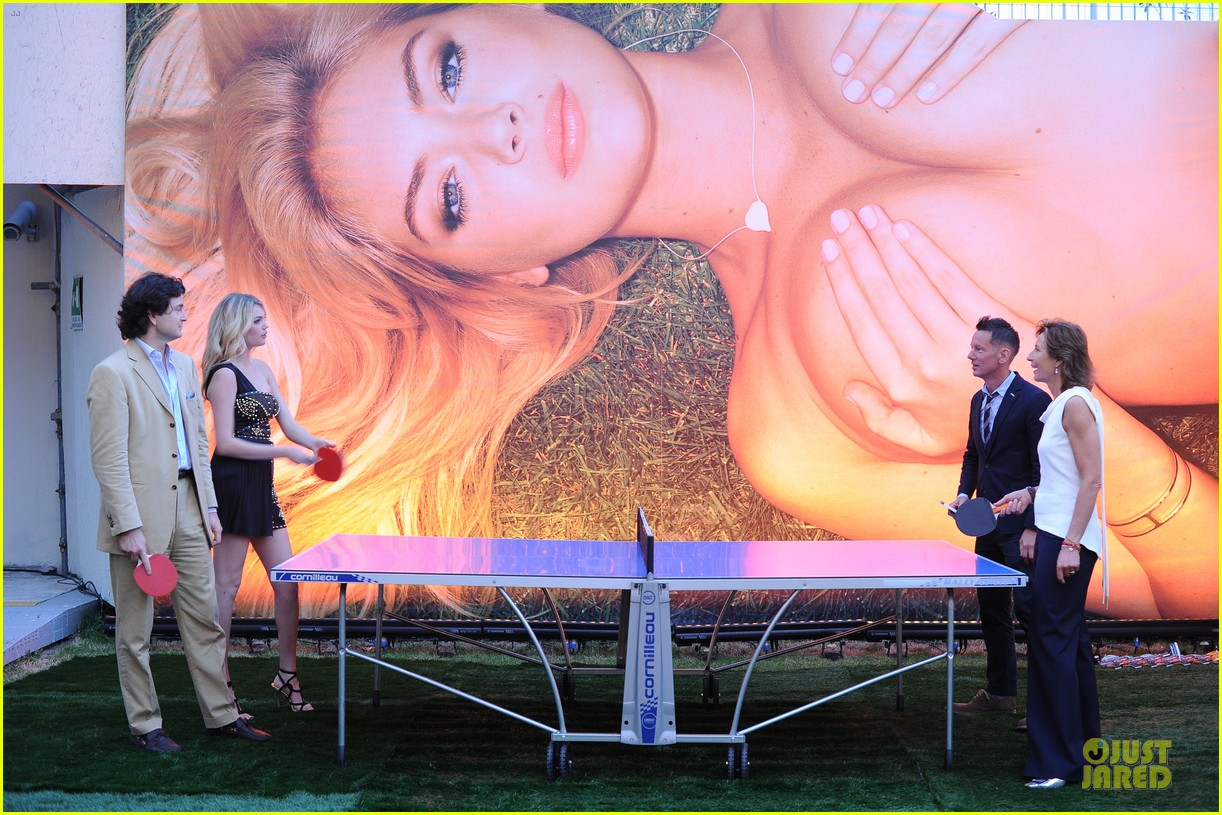 kate upton milan fashion week bbq 03