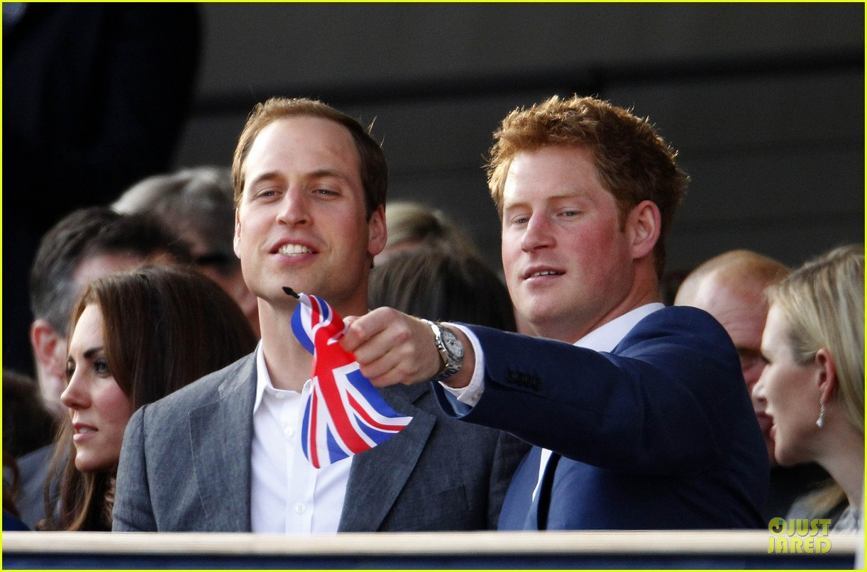 prince william kate prince harry diamond jubilee concert 02