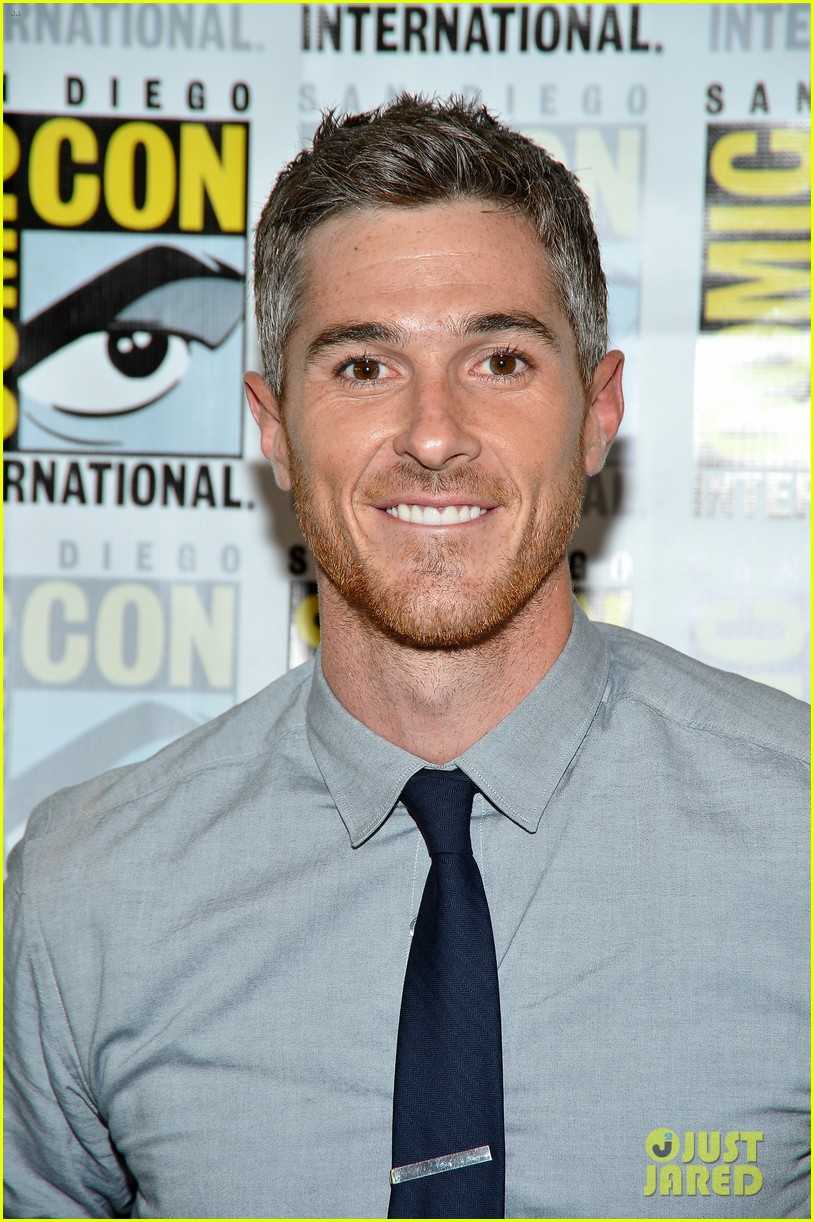 dave annable rachael taylor 666 park avenue at comic con 022687517