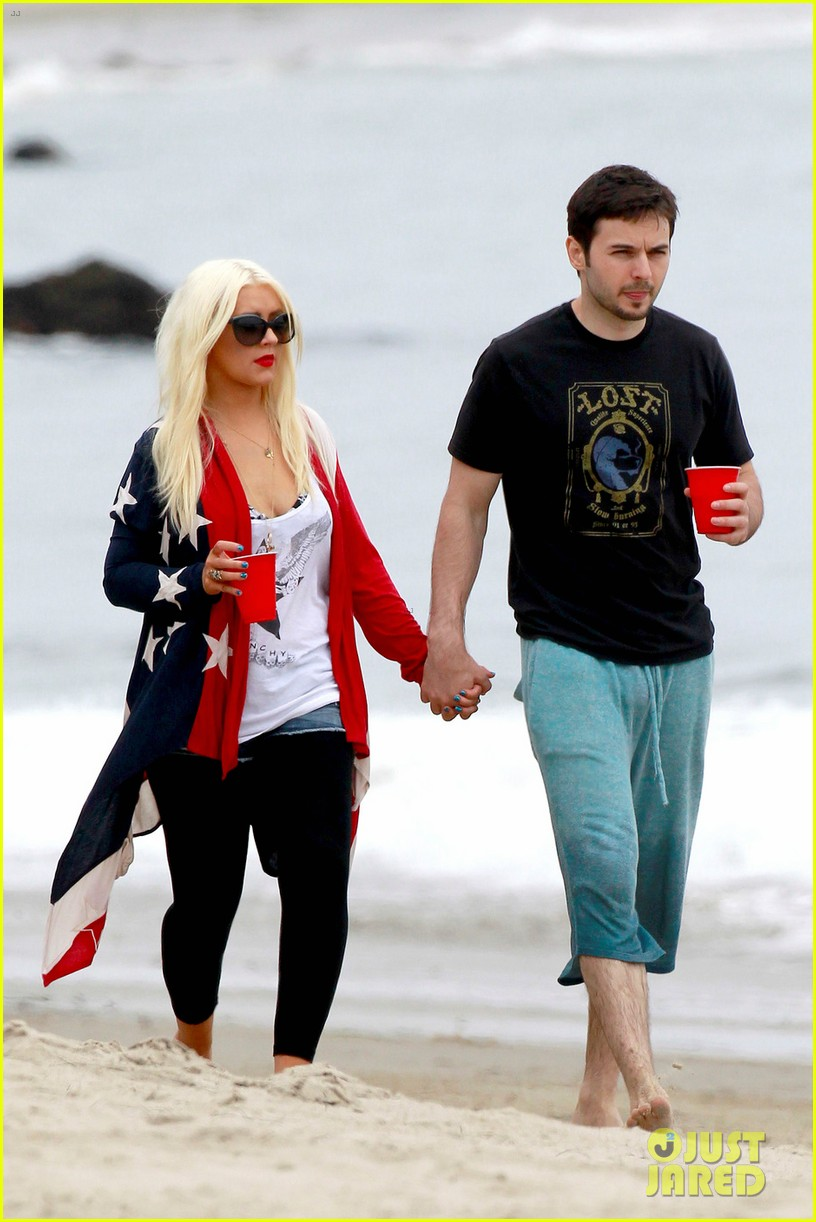 christina aguilera matthew rutler 4th of july with max 012683365