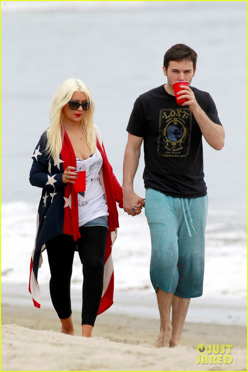 christina aguilera matthew rutler 4th of july with max 032683367