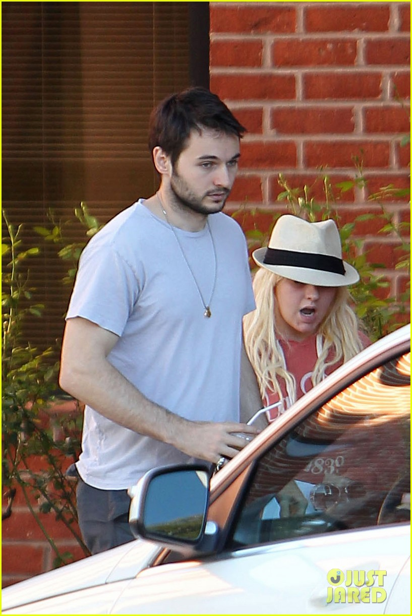 christina aguilera medical center with matthew rutler 092691821