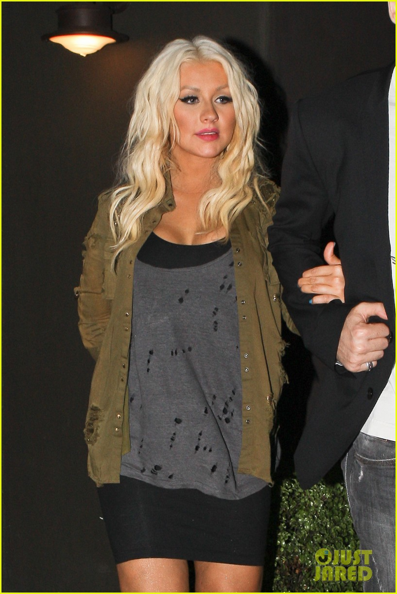christina aguilera osteria mozza with matthew rutler 02