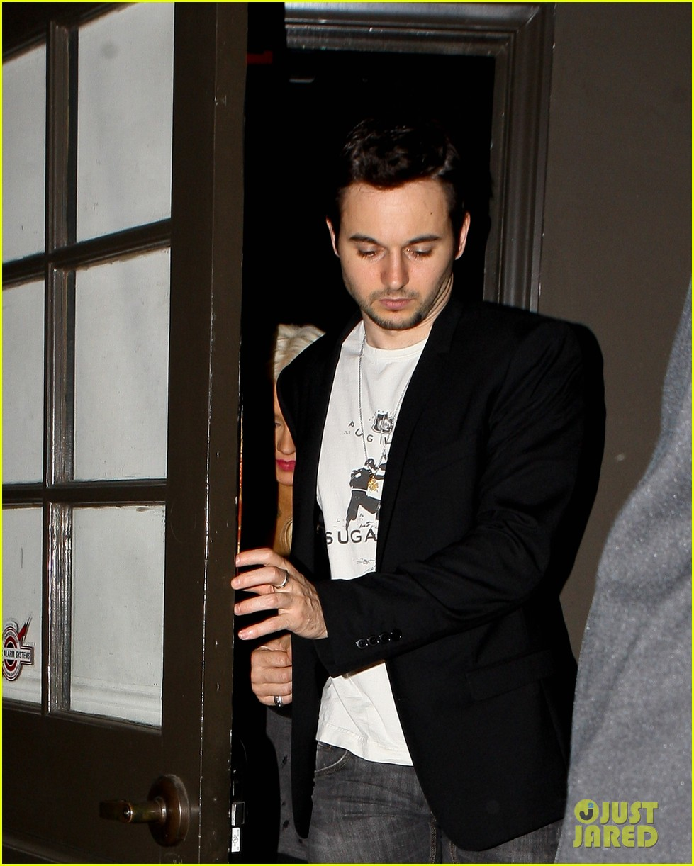 christina aguilera osteria mozza with matthew rutler 08