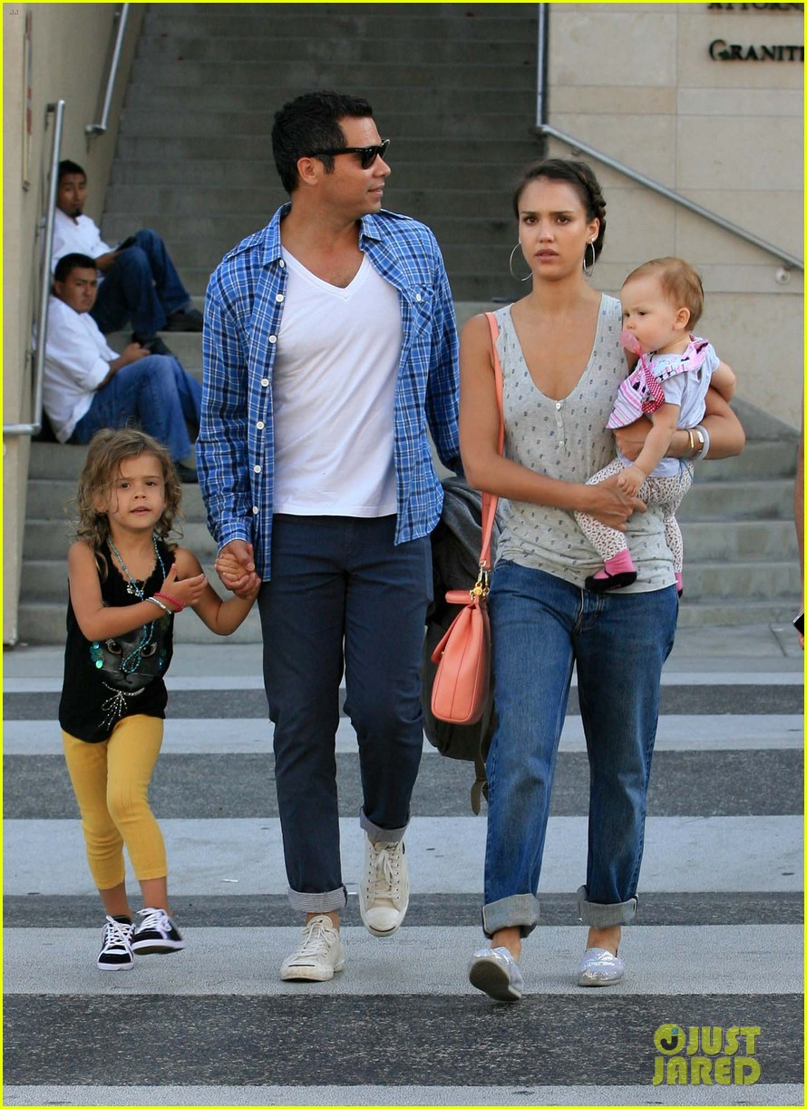 Джессика альба муж дети фото