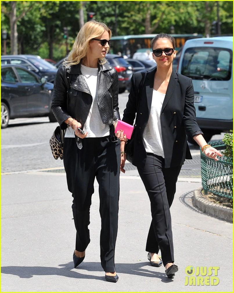 jessica alba paris shopping 012682210