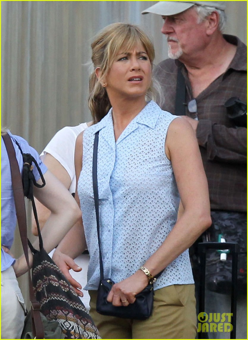 jennifer aniston millers set 022691124