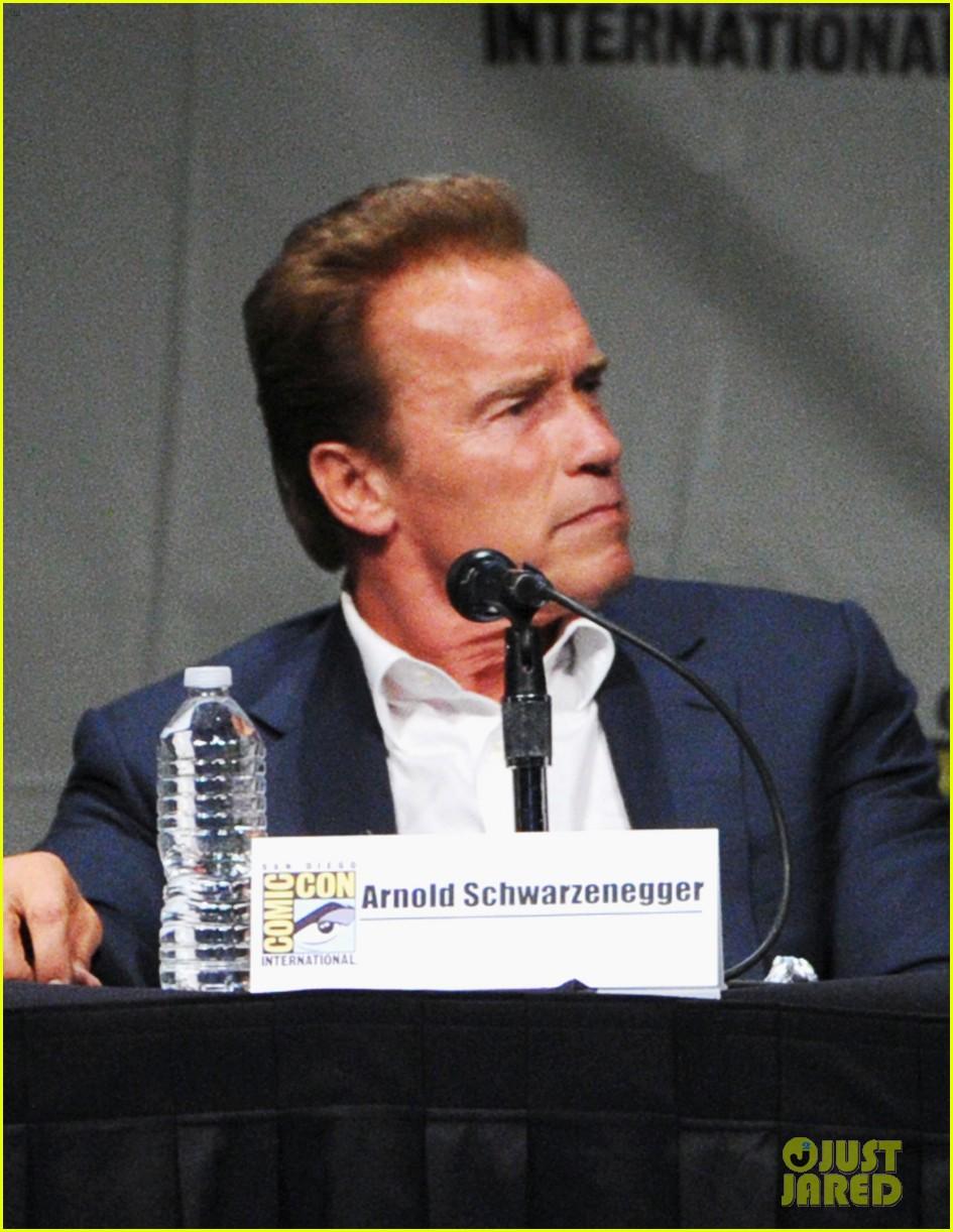 arnold schwarzenegger confirms twins sequel 142686649