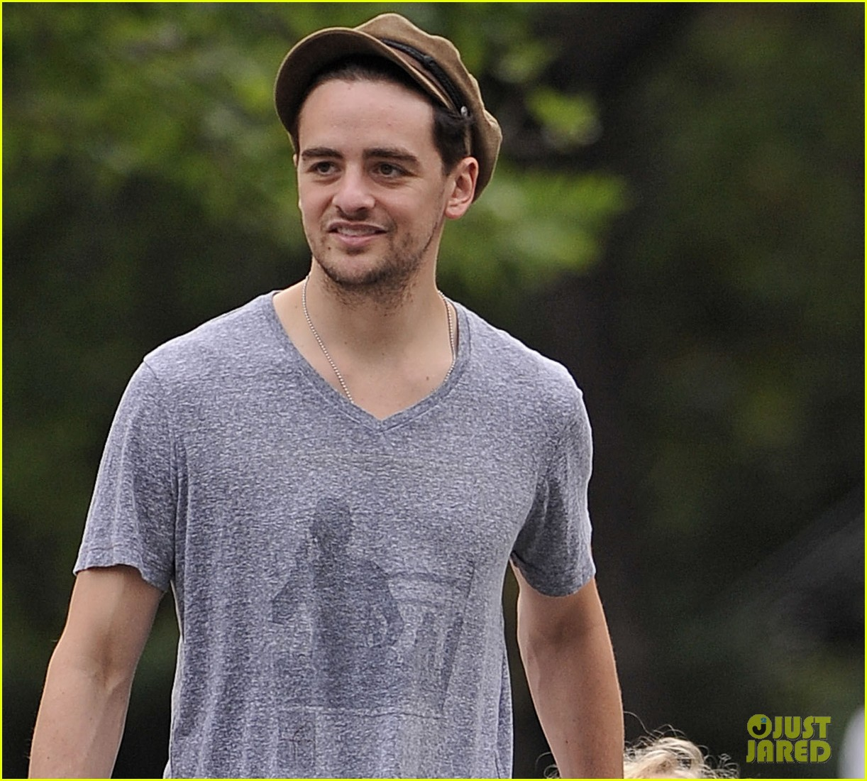ashlee simpson monday stroll bronx vincent piazza 022691224