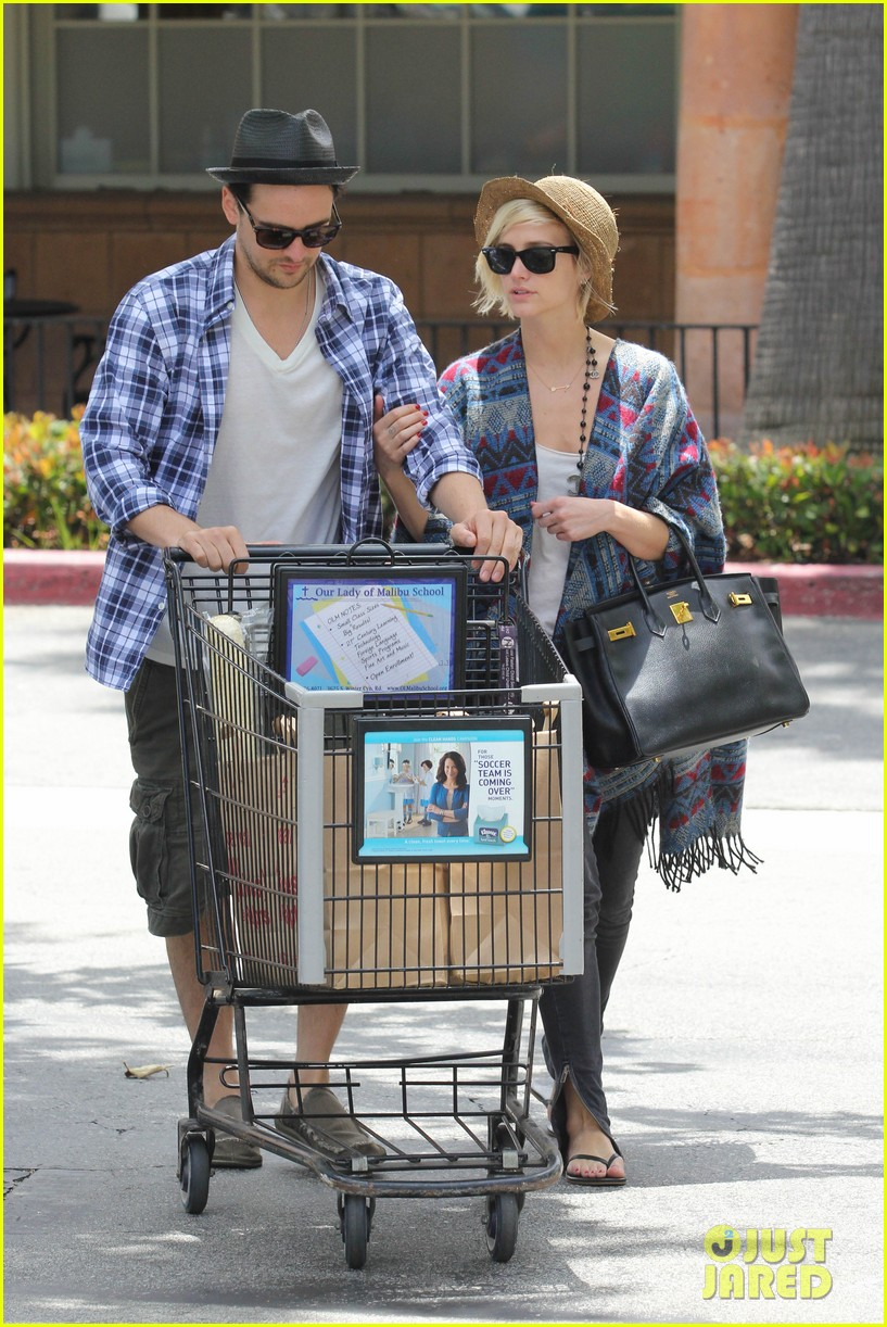 ashlee simpson shopping vincent piazza 012685129