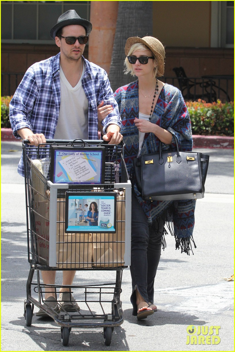 ashlee simpson shopping vincent piazza 04