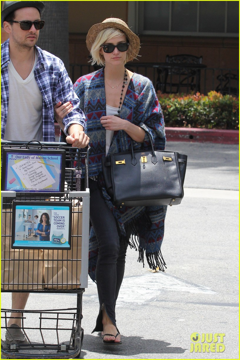 ashlee simpson shopping vincent piazza 052685133