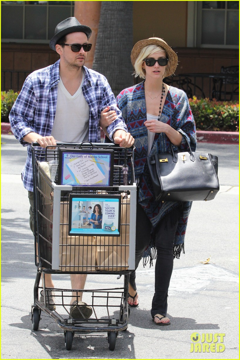 ashlee simpson shopping vincent piazza 07