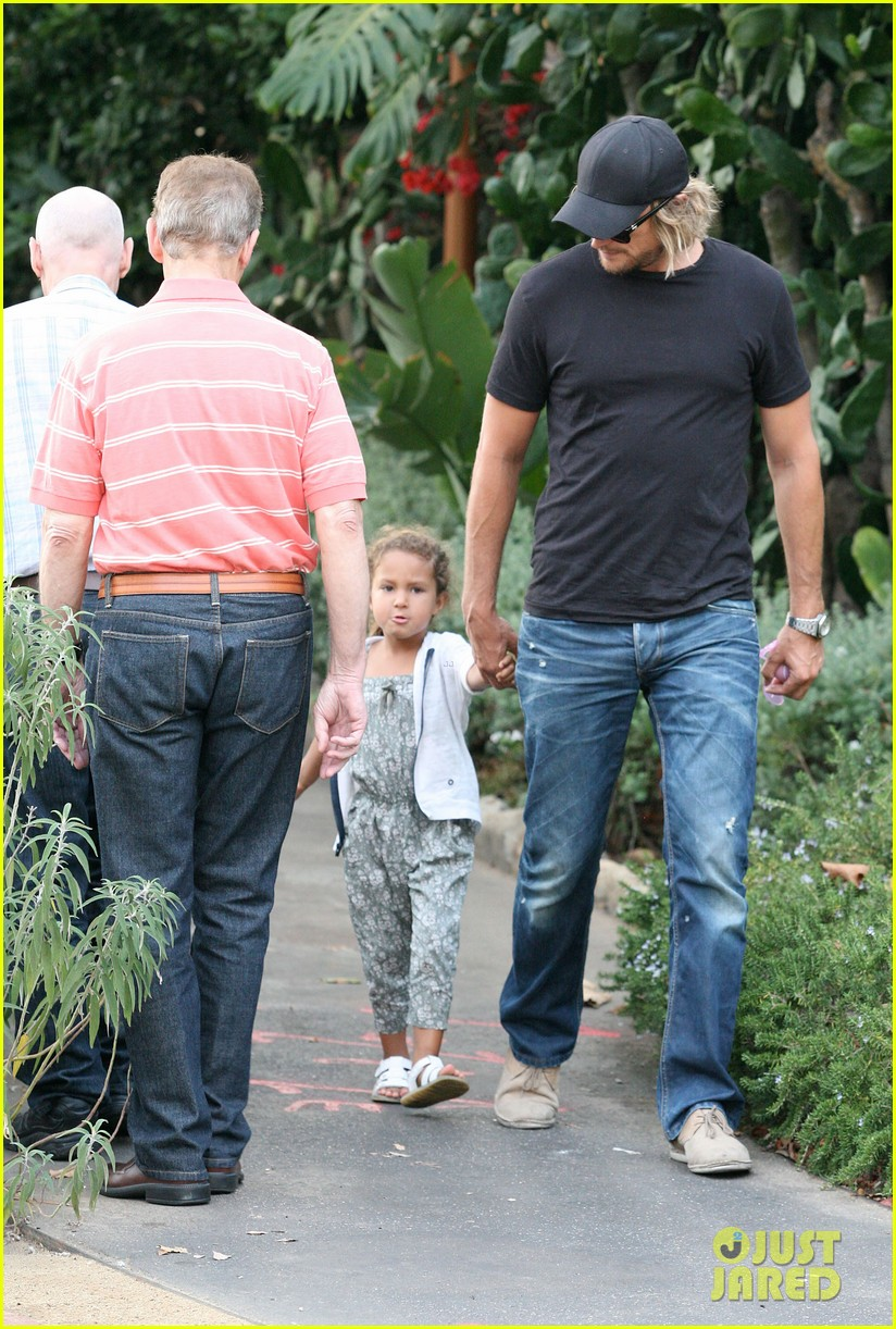 gabriel aubry lunch with nahla 03
