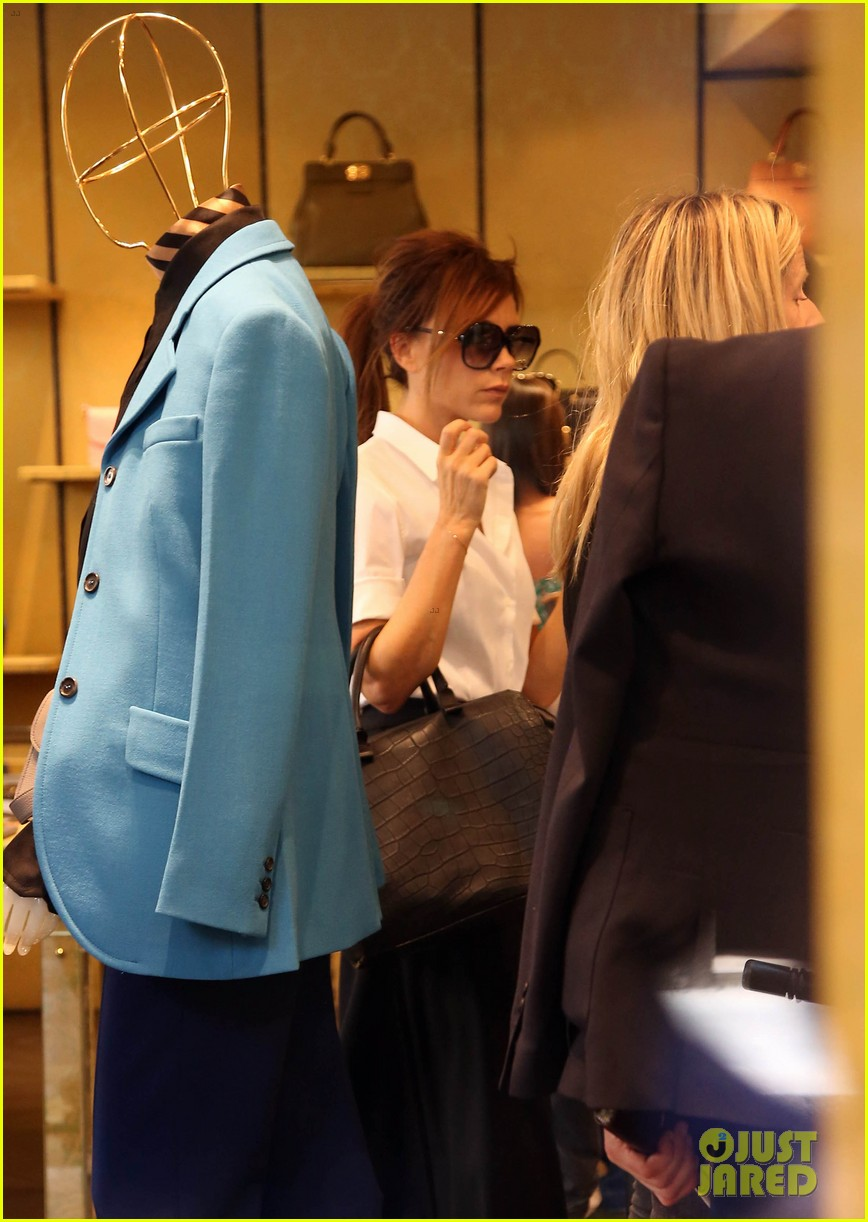 victoria beckham parisian shopping spree with cruz 13
