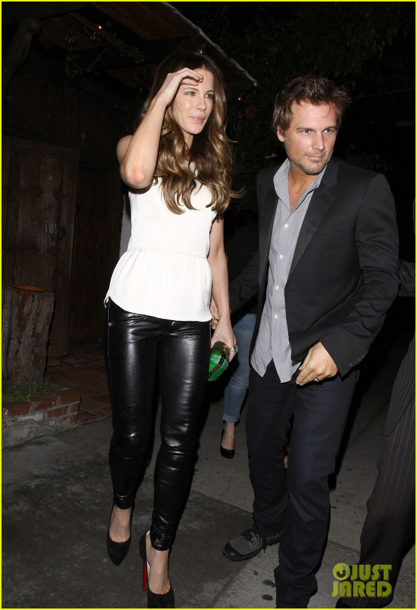 kate beckinsale little door birthday celebration 032692768