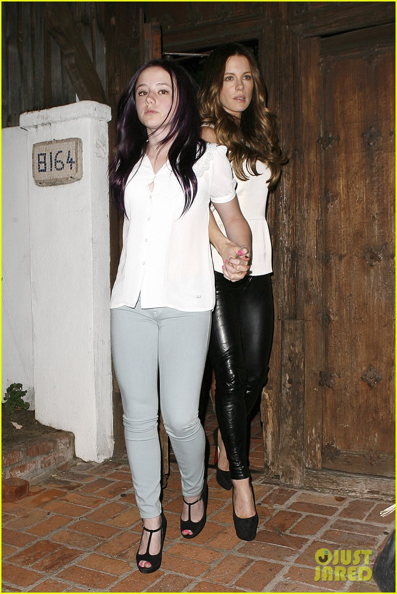 kate beckinsale little door birthday celebration 092692774