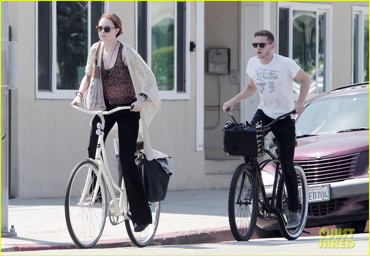 evan rachel wood jamie bell ride bikes 012690479