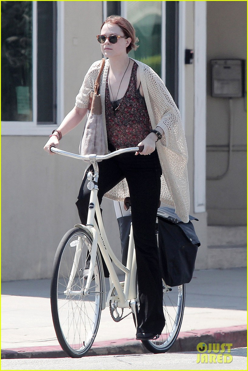 evan rachel wood jamie bell ride bikes 052690483