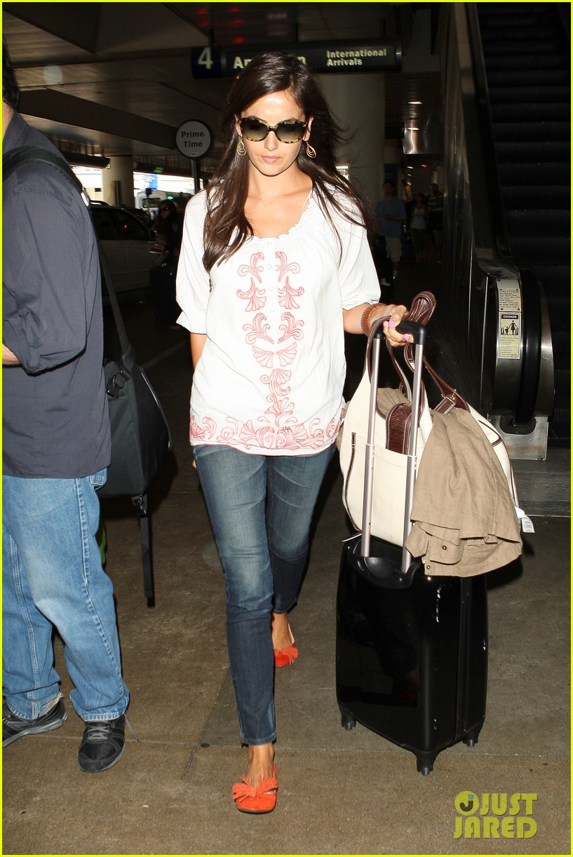 camilla belle lands in los angeles with evolet 012692669