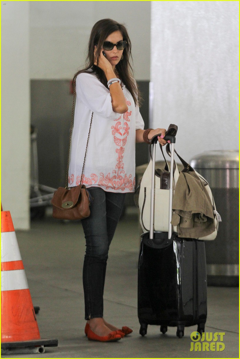 camilla belle lands in los angeles with evolet 032692671