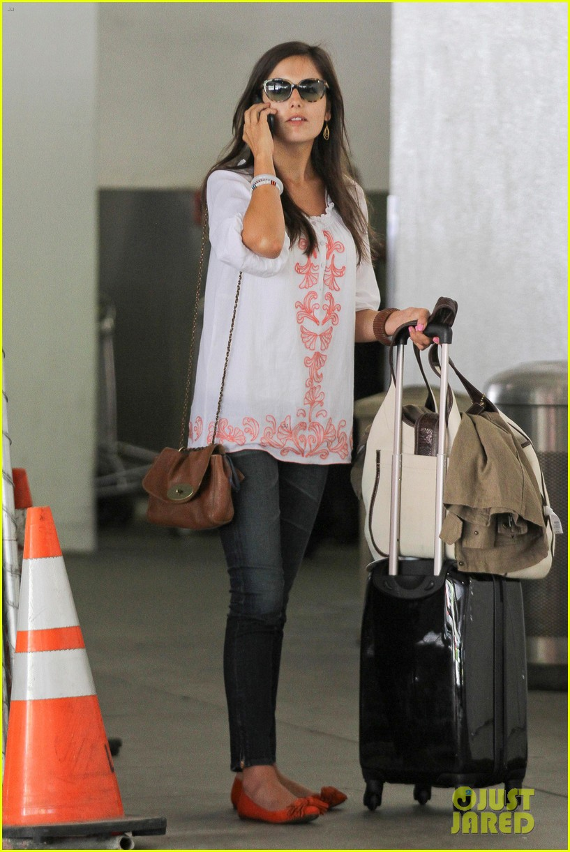 camilla belle lands in los angeles with evolet 052692673