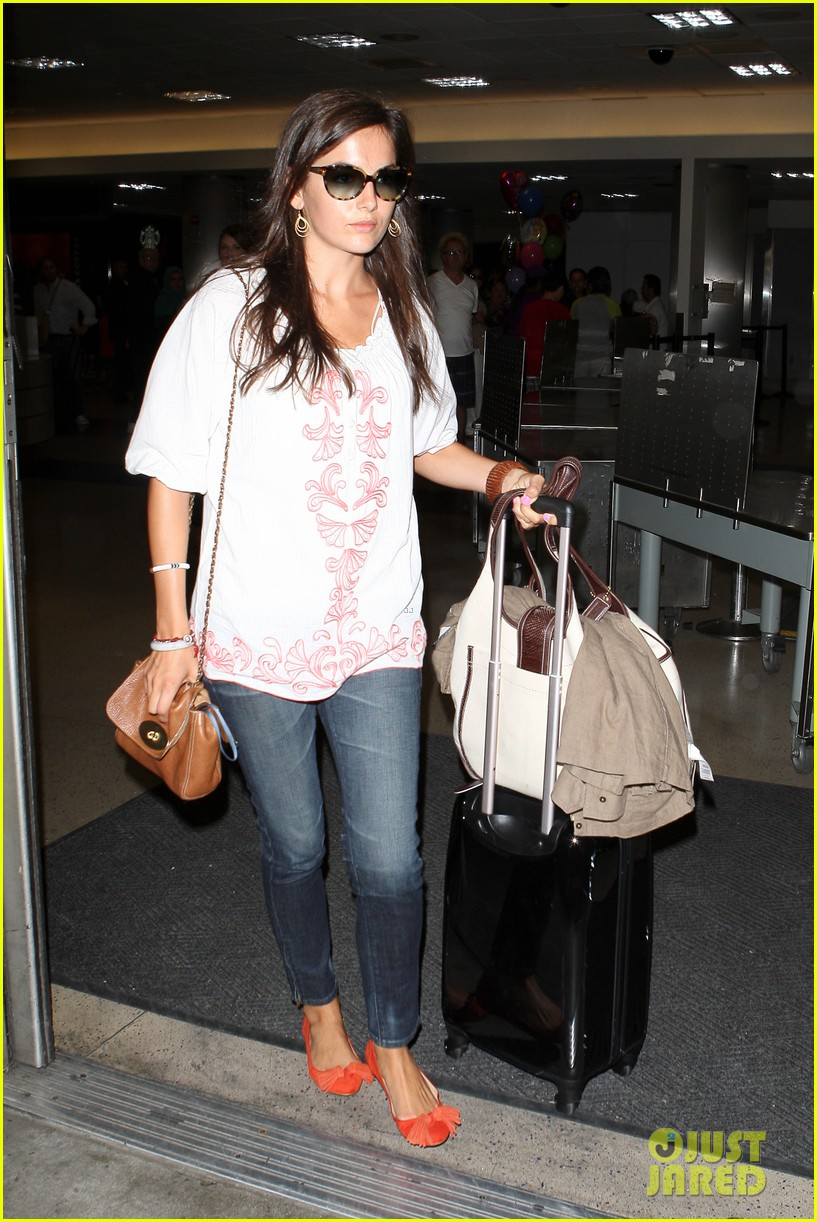 camilla belle lands in los angeles with evolet 072692675